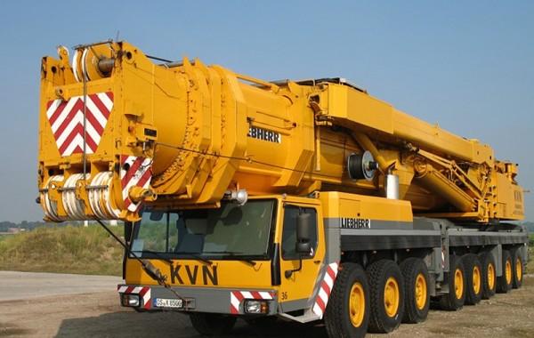 > 100 Tonne Cranes