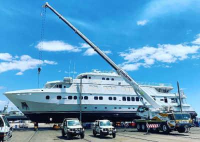 Boat lift service near AMC Perth