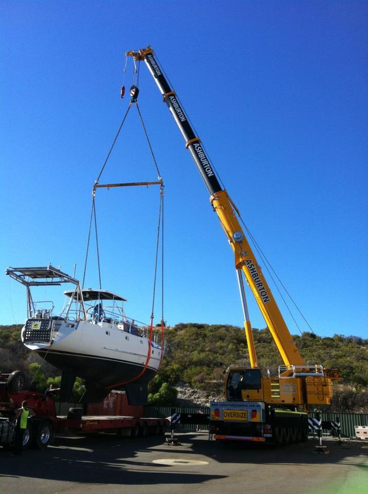 Yacht crane lifting service Perth